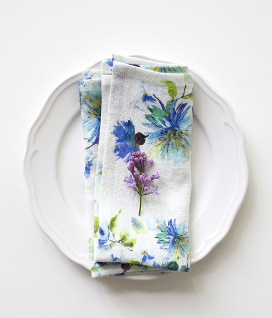 Napkins Flowers on White Linen (pair): tr