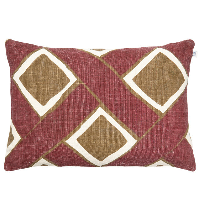 Bali Linen Cushion Ruby/Dark Oak: Bali Linen Cushion Ruby/Dark Oak