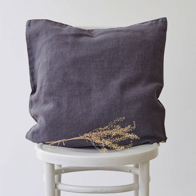 Linen Cushion Dark Grey: Dark Grey Linen Cushion