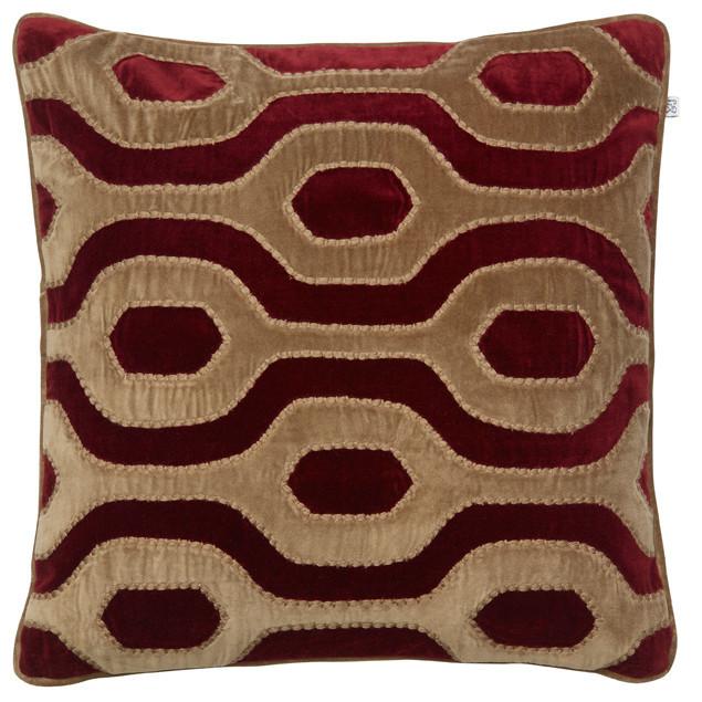Varanasi Velvet Cushion Dark Oak/Ruby: Varanasi Velvet Cushion Dark Oak/Ruby